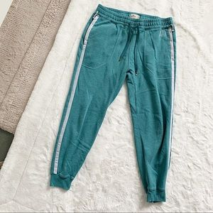 """HOLLISTER 